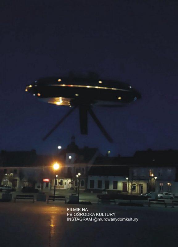 UFO nad miejskim ratuszem