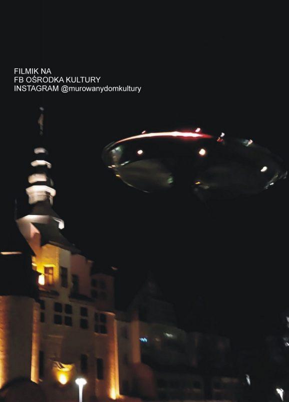 UFO i wieża ratusza