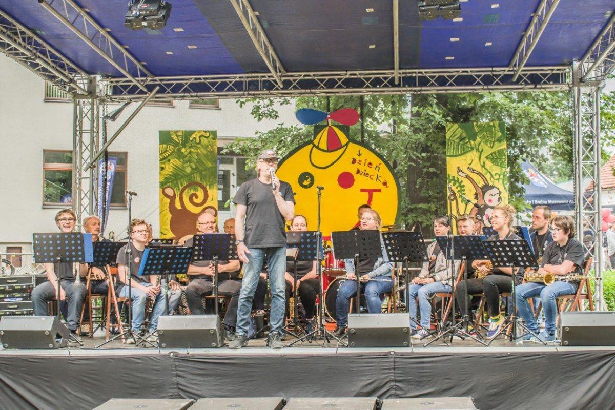 orkiestra OSP na scenie