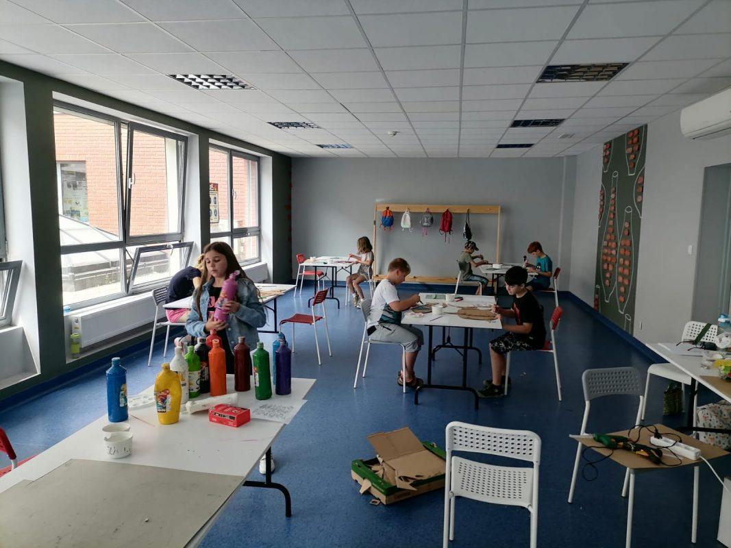 Dzieci przy pracy w pracowni