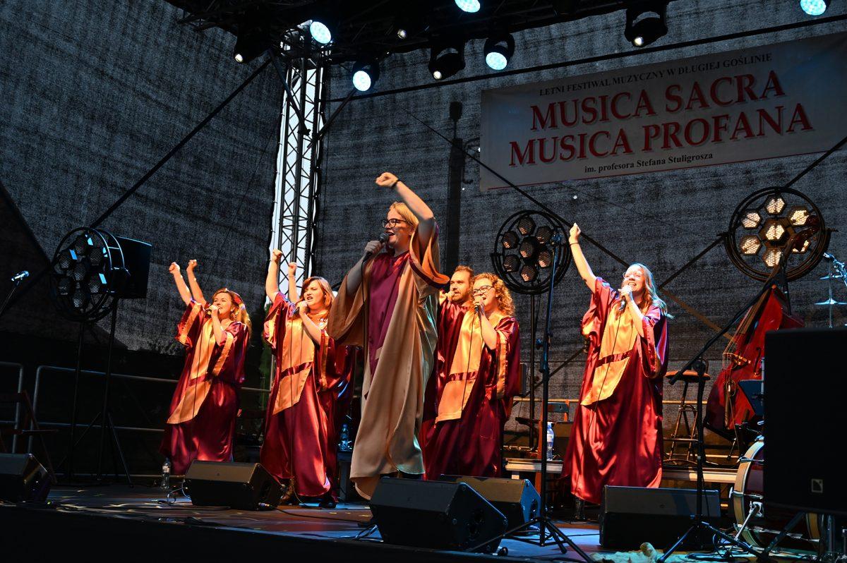 Chór Gospel JOY na scenie